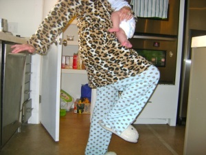 Mom_Leopard_Robe1